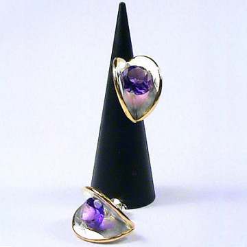 Clamshell Earring with 8mm stone-2