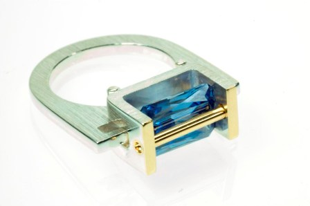 emerald cut suspension