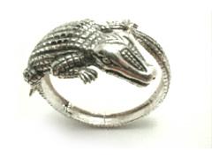 gator-cuff-bracelet